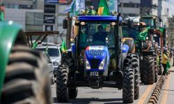 Desfile de tratores mostra força do agronegócio em apoio a Bolsonaro em Alagoas