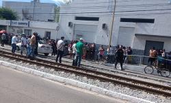 Fila para cadastro em apartamentos populares termina com tumulto na Secretaria de Habitação de Maceió