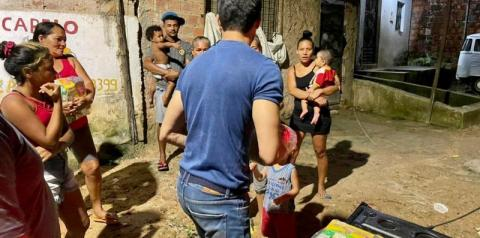 Maceió: Vereador João Catunda age com ação solidária