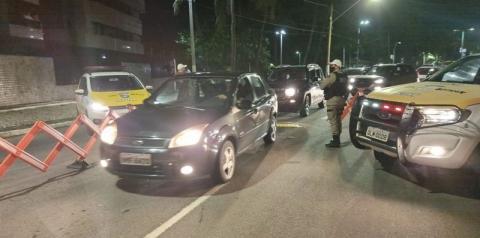 Quatro pessoas são detidas por embriaguez ao volante em bairros distintos de Maceió