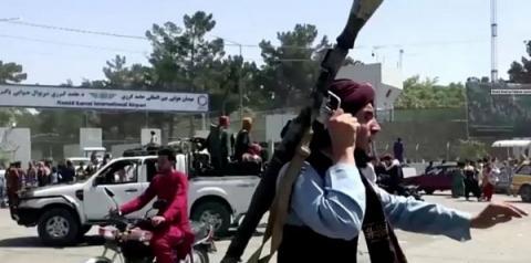 Com alerta de ameaça terrorista, EUA devem encerrar retiradas no Afeganistão nesta sexta
