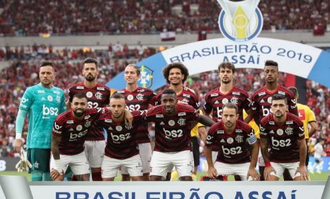 Flamengo usa experiência para tirar pressão de