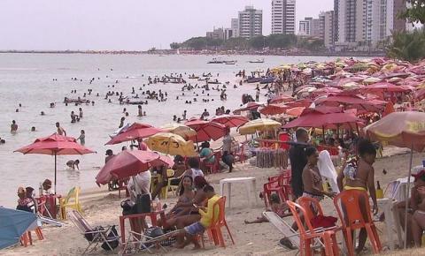 Pernambuco fecha praias e clubes nos finais de semana e restringe funcionamento de atividades não essenciais
