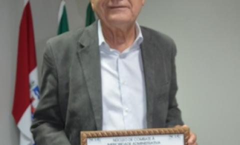 Lessa é homenageado pelo NCIA