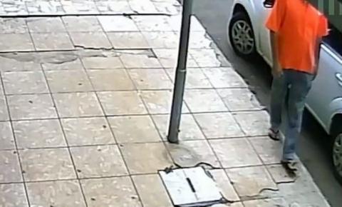 Homem com Covid-19 é preso após contaminar maçanetas de carros