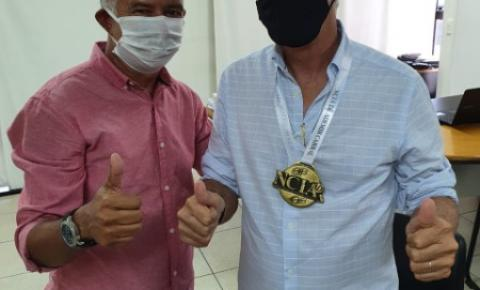 Ademir Cabral é condecorado com alta honraria do NCIA