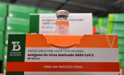 Após redução no envio de Coronavac, Sesau e Cosems ampliam prazo de aplicação da 2ª dose