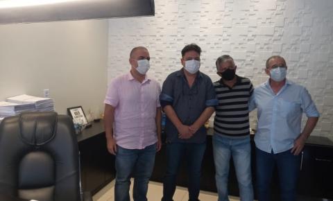 Prefeito Renato Filho recebe dirigentes da USSA