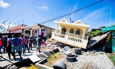 Número de mortos por terremoto no Haiti passa de 2.100; país registra novo abalo