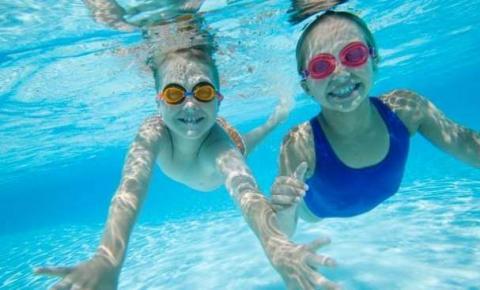 Os sete principais cuidados com a criança na piscina